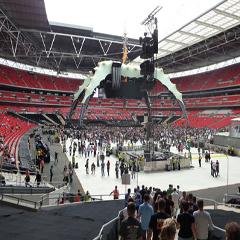 Wembley 09 - U2 - Terratrak and Terraflor